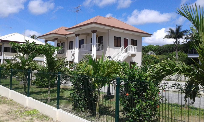 Villa lelydorp apartments suriname for Afbeelding van moderne huizen